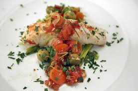 Halibut with leeks, tomatoes and olives ...