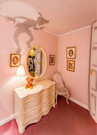 Peter Pans Shadow On The Wall Perfect For Any Disney Kids Room Disney Rooms Disney Home Decor Disney Decor