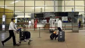 India | मुंबई इंटरनेशनल एयरपोर्ट भी जाएगा अडानी ग्रुप के पास! 74 फीसदी हिस्सा खरीदने की तैयारी - Mumbai