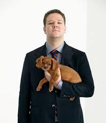KENNET ISLANDI HAVGAARD — Komiker Thomas Warberg med sin hund