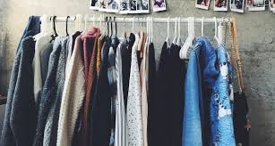 how to pack clothes for moving without