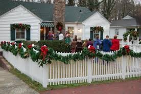 Decorating Mailboxes Fences And Porches For Christmas Outdoor Christmas Christmas Porch Christmas Swags