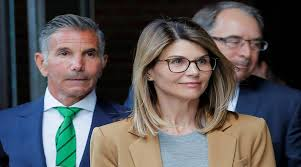Lori Loughlin apologizes for college scam as actress, husband get ...