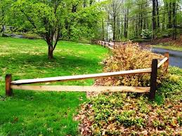 Pin By Salem Fence Co On Wood Fence Privacy Fence Landscaping Fence Landscaping Backyard Fences