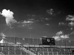 صورة عالية الدقة خالية من كرة القدم ملعب لكرة القدم أبيض وأسود