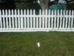 How To Whitewash A Fence Hunker Fence Design Backyard Fences Wooden Fence