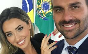Esposa diz passar perrengue com R$33 mil de Eduardo Bolsonaro