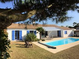 house near the sea with private pool 3