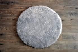faux sheepskin light grey round