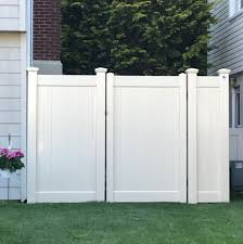 6 Tan Infinity Solid Pvc Fences And An Internal Double Duty Pocket Gate Fabricated And Installed In Bellmore Ny By Liberty Fence Rai Pvc Fence Gate Fence