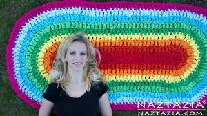crochet an oval rag rug from fabric