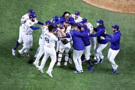 Dodgers Player Justin Turner Gets ...