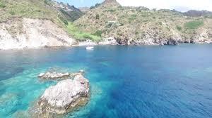 Lipari Isole Eolie mare e barca sotto casa...... - YouTube
