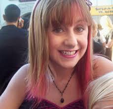 Allisyn Ashley Arm - Wikipedia