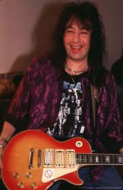 Pin by Steven Smith on Great Guitar Players | Ace frehley, Kiss army, Hot  band