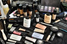 pro makeup artist kit must haves