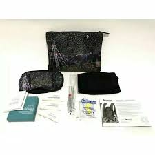 TRAVEL KIT QANTAS AIRLINES DESIGN BY POLLY BUTLER Original, Women's  Fashion, Women's Bags & Wallets on Carousell