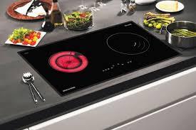 Phân biệt bếp hồng ngoại và bếp điện từ