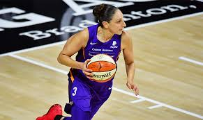 Nowhere for refs to hide from Mercury's Diana Taurasi in WNBA bubble