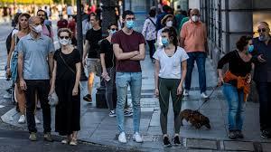 Sanidad ampliará la obligación de llevar mascarillas más allá del  transporte público | Sociedad | EL PAÍS