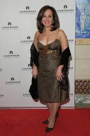 More Pics of Rosanna Scotto Mid-Length Bob (2 of 4) - Rosanna Scotto  Lookbook - StyleBistro