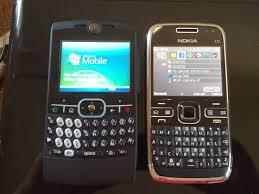Nokia E72 v/s the Motorola Q8