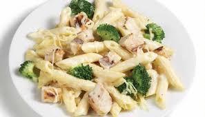 en broccoli pasta alfredo
