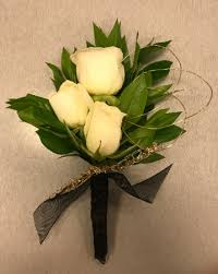 touch of gold prom boutonniere in omaha