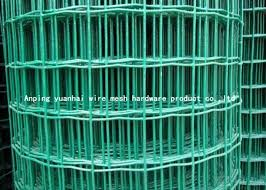 Durable Square Chicken Wire Mesh Panel Green Pvc Coated Wire Mesh Fencing