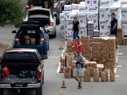 10,000 families showed up to receive free food in Texas - Business ...