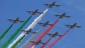 Le Frecce Tricolori sorvolano i cieli di Modena - IL VIDEO