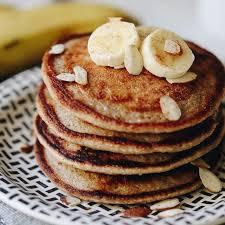 banana oatmeal pancakes in the blender