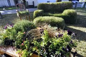 20 ideas for unusual garden sculptures