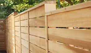 Awesome Horizontal Wood Fence Ideas For Wood Lovers