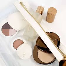 browsing beauty clean beauty makeup