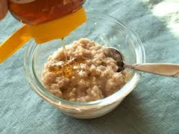 nourishing honey oatmeal face mask for
