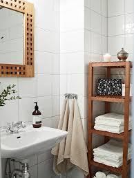 decorate a small apartment bathroom