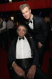 Peter Mayhew dead: Is Chewbacca actor in Star Wars Rise of Skywalker? |  Films | Entertainment | Express.co.uk