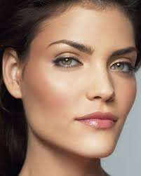 natural makeup for green eyes 2020