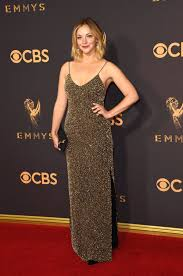 Abby Elliott | The Looks at Last Year's Emmys Are Still on Our ...