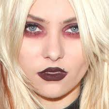 taylor momsen makeup brown eyeshadow