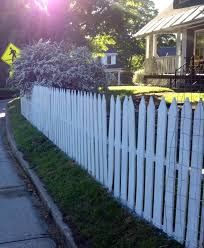 Pallet Picket Fence Painted White Fence Paint Outdoor Spaces White Painting