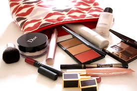 what s in my makeup bag trendissimo pl