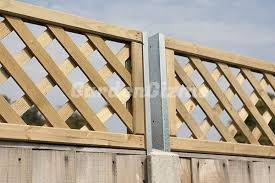 Gardengizmo Trellis Fence Extension Attachments4 Jpg 600 400 Trellis Fence Fence Design Trellis