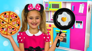 mickey mouse party and cooking with toy