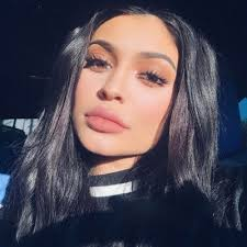 kylie jenner makeup tutorials to give