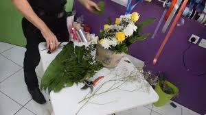 فكرة تصميم هديه مع الورود بشكل رائع Design A Gift With Roses
