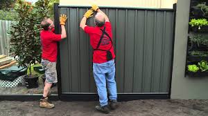 How To Install Colorbond Fence Panels Diy At Bunnings Youtube