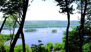 Upper Mississippi River Overlooks::Big River Magazine May 2009