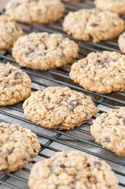 oatmeal chocolate chip cookies liv